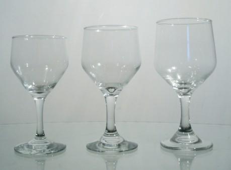 Taça água, Viho Branco e Vinho Tinto no L'Habitare - Locação de Mesas e Cadeiras na Mooca
